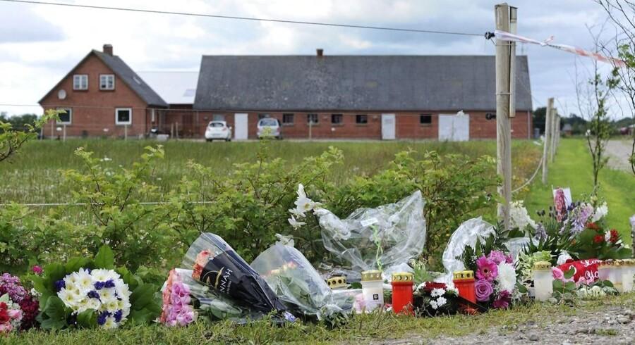 I følge en dødsannonce, som forældrene har indrykket i Dagbladet Ringkøbing-Skjern, skal de tre afdøde piger bisættes onsdag.