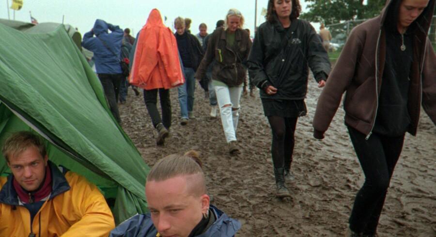 Det er næsten en kliche, men det kan sagtens ske igen i år, advarer meteorologerne. Masser af mudder og smat på Roskilde Festivalen.