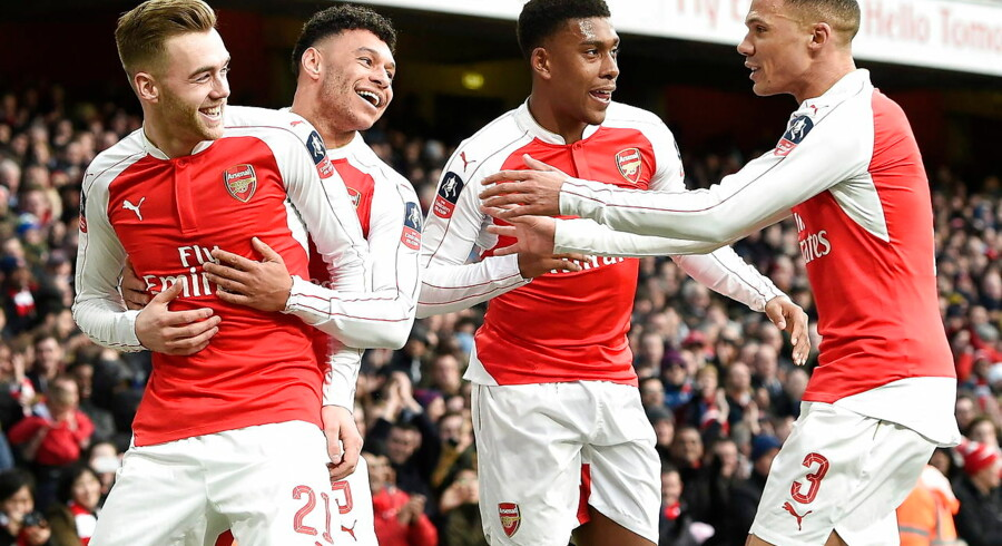 Arsenal vandt lørdag en kneben sejr over Burnley og gik dermed videre fra fjerde runde i FA Cuppen.