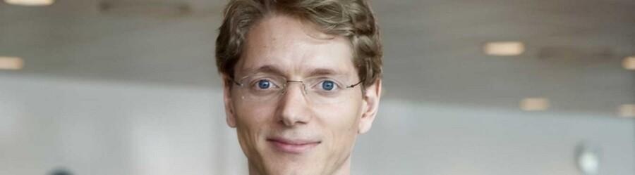 Robert Uggla, der er Mærsk Mc-Kinney Møllers barnebarn, tiltræder i september som direktør i det svenske tankrederi Broström.