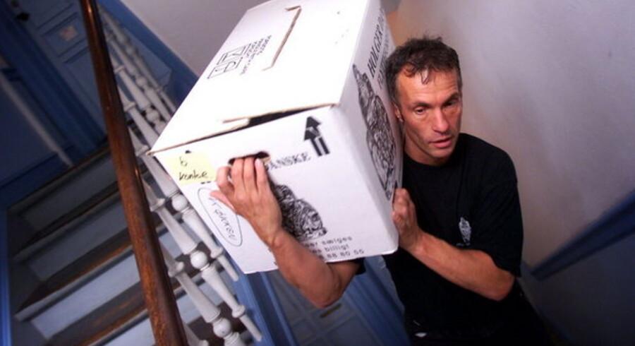 Stadig flere danskere må pakke flyttekassen og gå fra hus og hjem. Arkivfoto: Jeanne Kornum, Scanpix