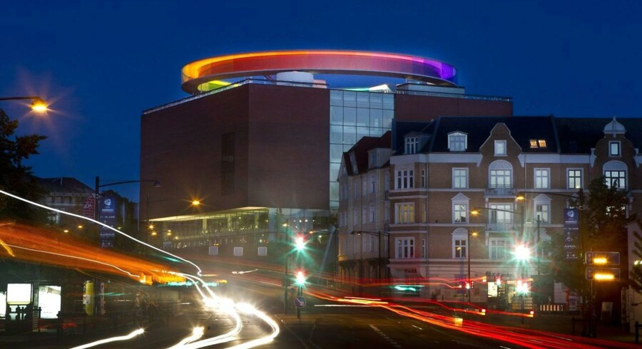 Denne sommer kan byde på kulturelle oplevelser som museer, musik, jazz, revyer,film og bøger. På billedet ses kunstmuseet ARoS i Aarhus.