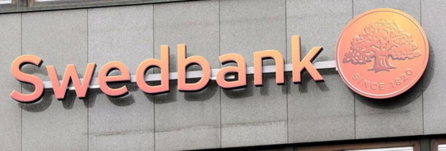Swedbank er i dag steget kraftigt, på trods af et nyt milliardunderskud i andet kvartal.