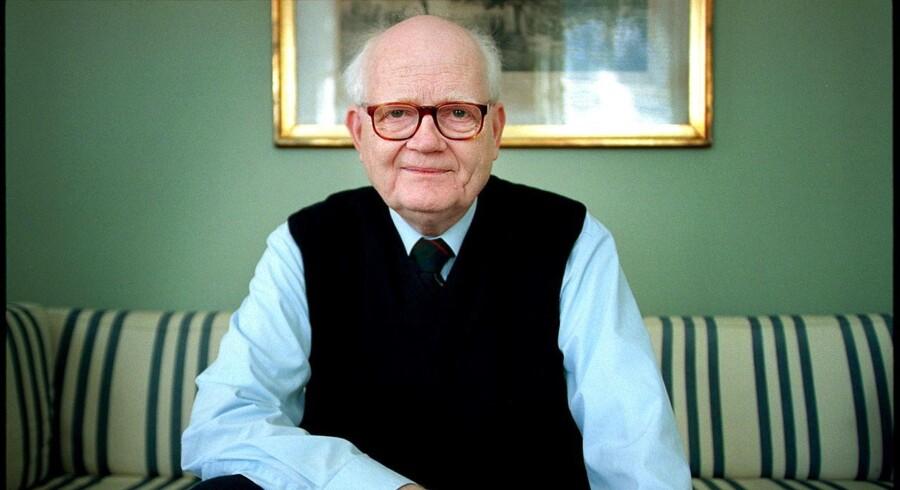 Tidligere formand for Det Etiske Råd er død. Erling Tiedemann, som også var amtsborgmester i 19 år, er død i en alder af 83 år.