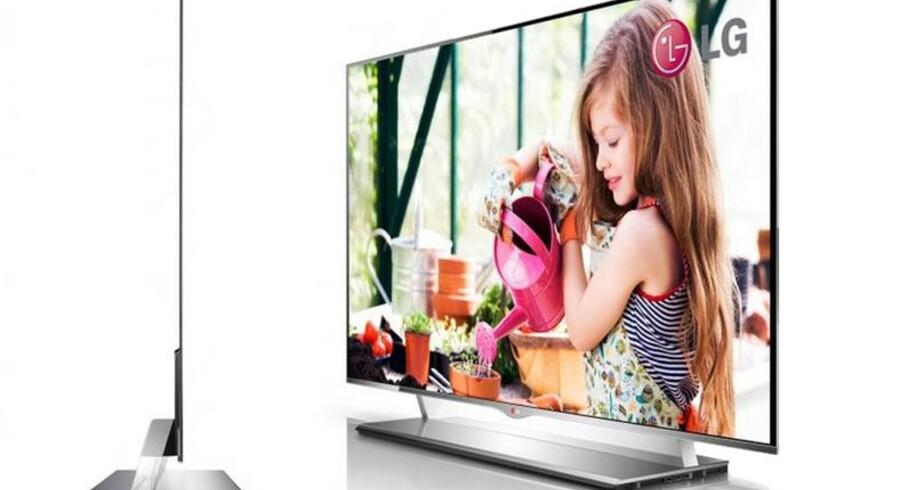 Det nye superfjernsyn fra LG er blot fire millimeter tykt.