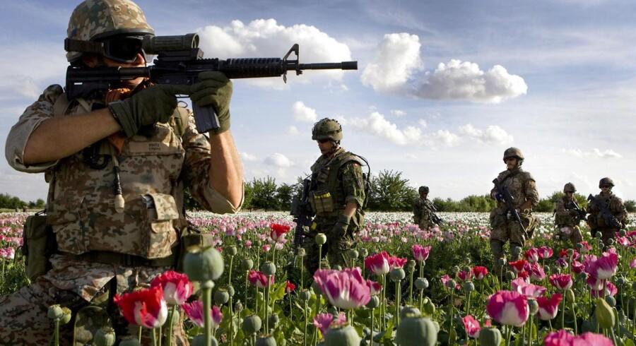 """""""Der er næppe megen tvivl om, at der nu sidder en del officerer i Afghanistan og spørger sig selv, hvordan de skal handle i en lignende situation"""" (Foto: Scanpix)"""