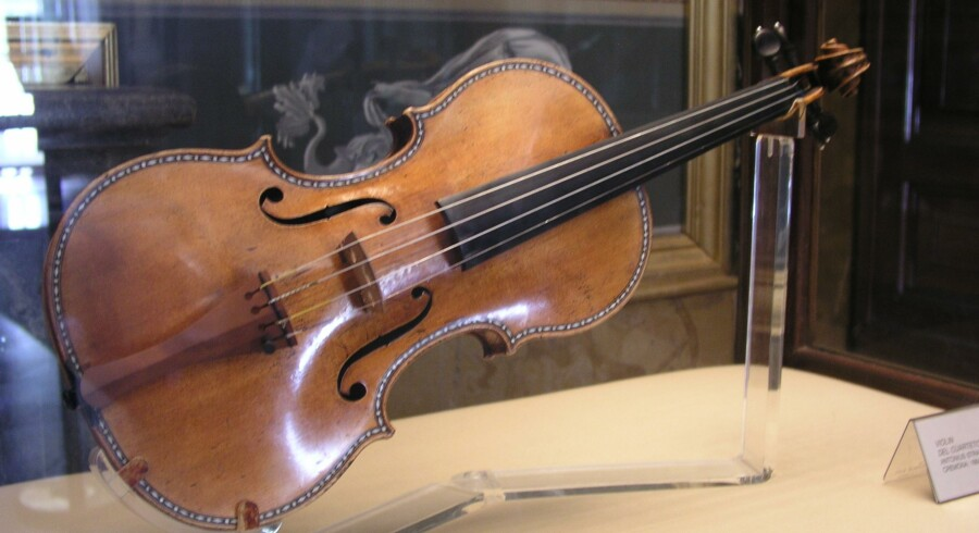 En af de spanske Stadivarius-violiner, som stadig er intakt,er tidligere blevet røntgenfotograferet for at afsløre, hvorfor strengeinstrumenterne fra violinbyggeren i Cremona har en særlilg lyd.