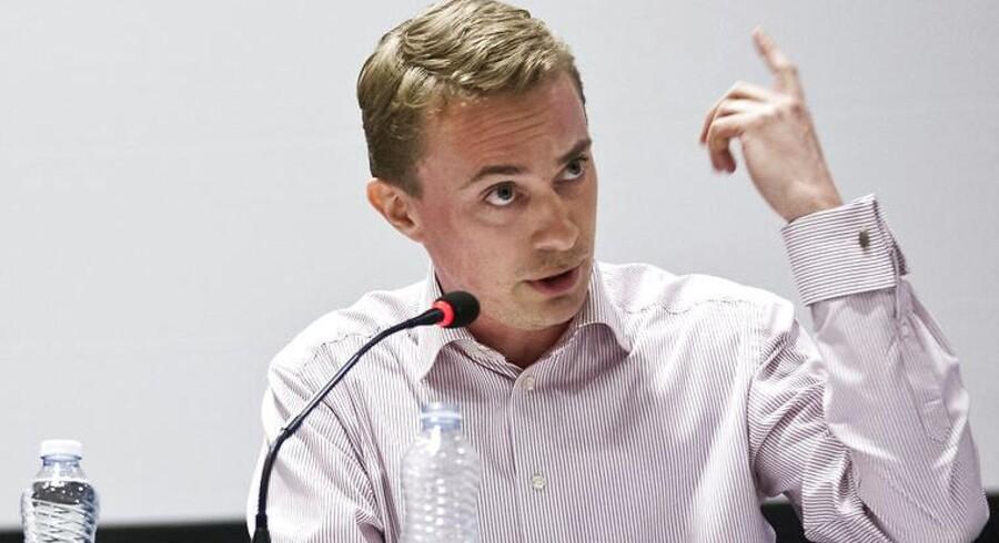 Til debatmødet i Korsgadehallen deltog Morten Messerschmidt (DF), Manu Sareen (R) og Johanne Schmidt-Nielsen (Ø).