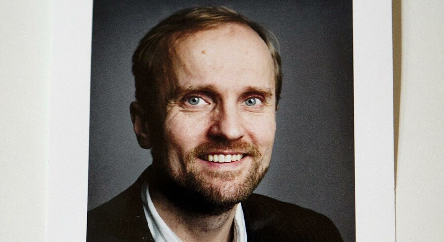 Den spionagetiltalte professor Timo Kivimäki billede og kontaktoplysninger hænger stadig på Institut for Statskundskab på Københavns Universitet. Ifølge de anklager, der er rejst mod ham, har han bl.a. udarbejdet en liste med navne på ti studerende ved instituttet, som han ville udlevere til russiske spioner. Det får nu studerende til at frygte for, hvad registreringen vil betyde for de berørtes fremtid og jobsituation.