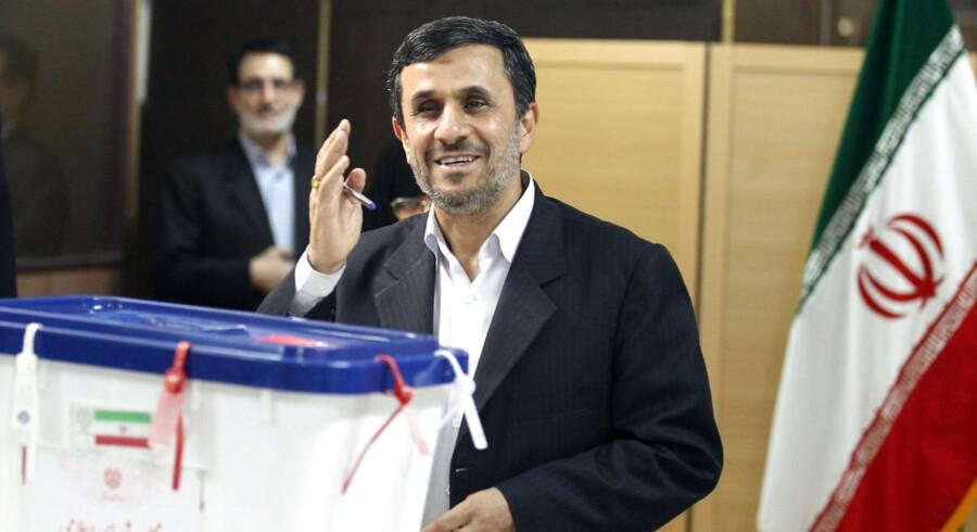 Irans præsident, Mahmoud Ahmadinejads popularitet er støt faldende, viser en foreløbig optælling efter fredagens suppleringsvalg til parlamentet.
