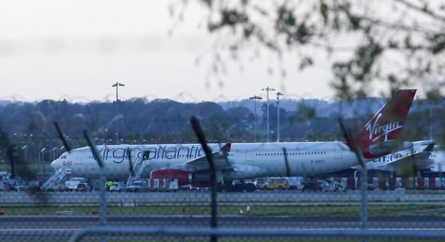 Et fly fra Virgin Atlantic måtte mandag nødlande i Gatwick lufthavn, da der blev konstateret ild i lastrummet.