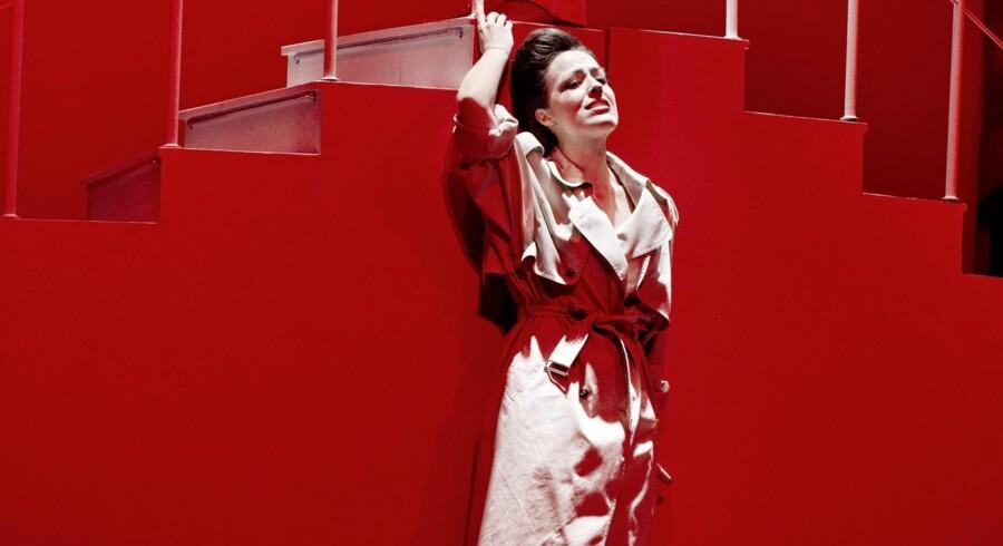 Maria Lucia Heiberg Rosenbergs svale Florence (billedet), der tør op undervejs, er klokkeklart afleveret, og de poppede ballader passer hendes ubesværede stemme perfekt.