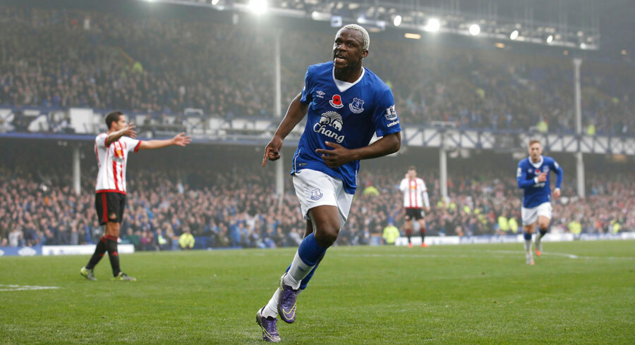 """Football - Everton v Sunderland - Barclays Premier League - Goodison Park - 1/11/15 Arouna Kone celebrates scoring the fifth goal for Everton Action Images via Reuters / Carl Recine Livepic EDITORIAL USE ONLY.No use with unauthorized audio, video, data, fixture lists, club/league logos or """"live"""" services. Online in-match use limited to 45 images, no video emulation.No use in betting, games or single club/league/player publications. Please contact your account representative for further details."""