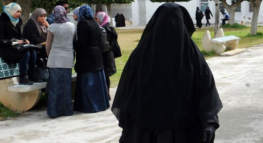 Til sommer kan saudiske kvinder deltage i OL. Så længe de altså samtidig kan være anstændige, lyder det.