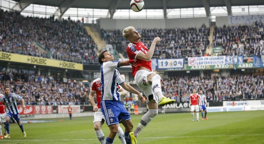 Mads Albæk (tv) scorede begge IFK Göteborgs mål i 2-2 kampen mod Kalmar FF i den sidste runde i Allsvenskan, og klubben vandt demed sølv. Guldet gik til IFK Norrköping, der vandt 2-0 ude over Malmö FF.