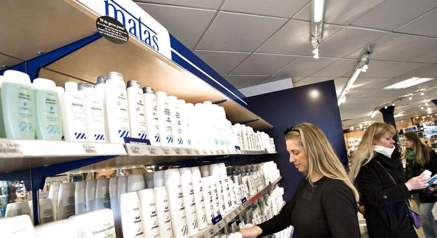 Matas' planer om en børsnotering bliver nu presset af de selvstændige materialist butikker, som forhandler med udenlandske opkøbere om at lave en konkurrent til kæden.