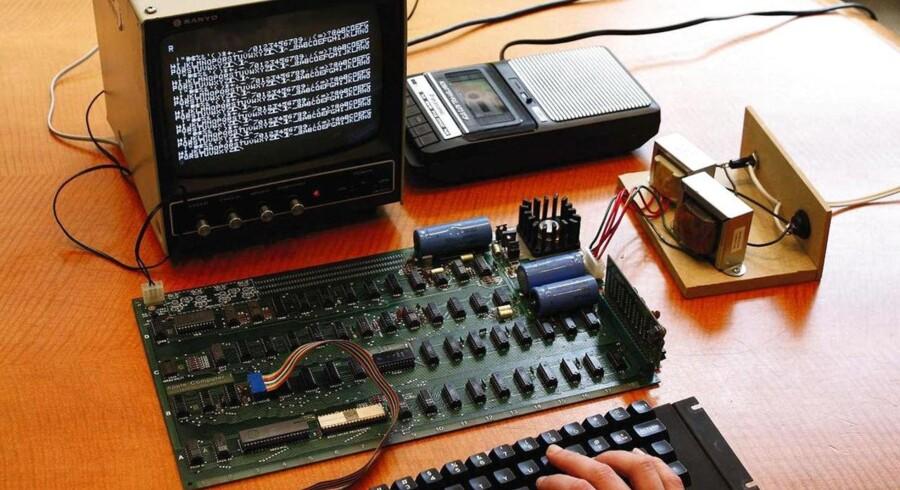 Apple-1 computeren fra 1976 var starten på Apple koncernens eventyr. De første computere som denne var bygget op fra bunden af selve Steve Wozniak og Steve Job.