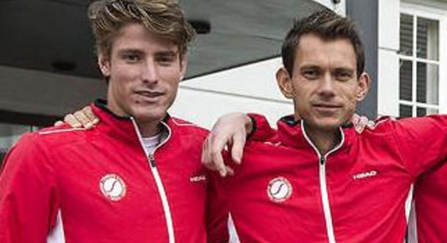 Andreas Bjerrehus, tv, og Frederik Løchte Nielsen repræsenterer Danmark i fredagens to singlekampe i Davis Cup-playoff-kampen mod Sverige.