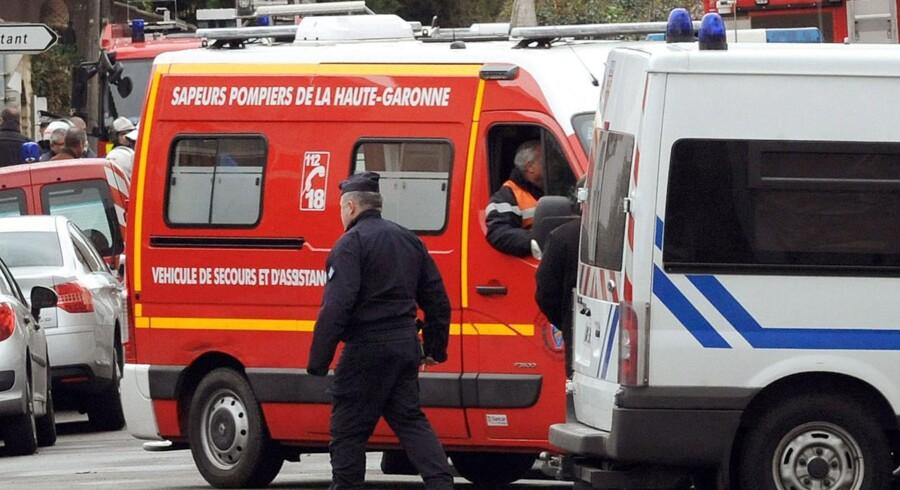 Den formodede massemorder meldes død efter en to døgns langt oprør med fransk politi. Forinden havde den formodede terrorist Mohamad Merah forskanset sig i en etageejendom i Toulouse, som her til formiddag blev stormet af politiet. Under aktionen blev den mistænkte morder skudt.