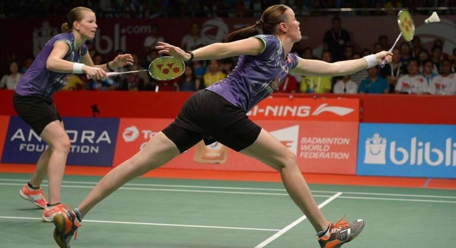 Christinna Pedersen (tv) og Kamilla Rytter Juhl i aktion ved verdensmesterskaberne.