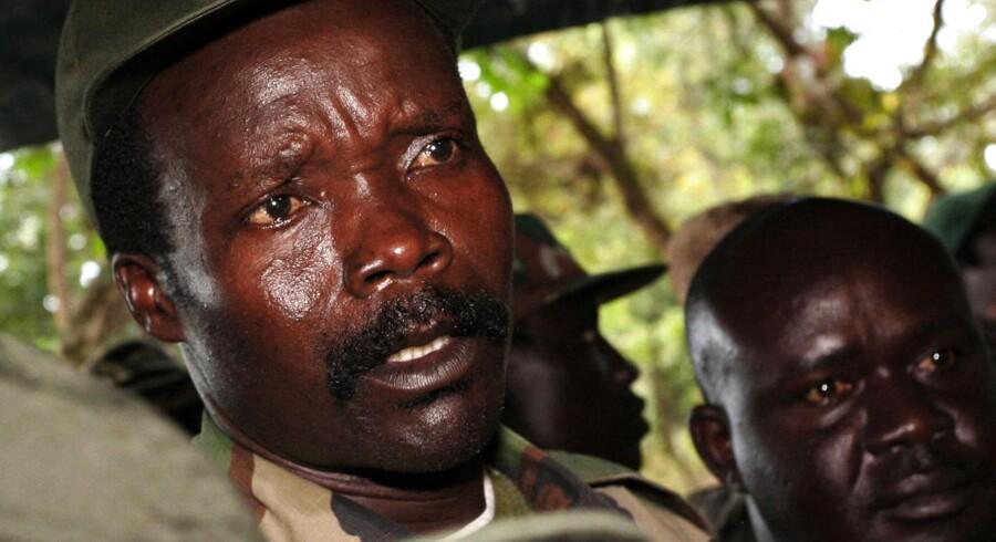 Senest har organisationen »Invisible Children« meldt sig i jagten på Joseph Kony og hans milits Lord's Resistance Army (LRA) med kampagnen »Kony 2012« med en video på Youtube, der alene de seneste to dage er blevet set af 24 millioner mennesker kloden rundt.