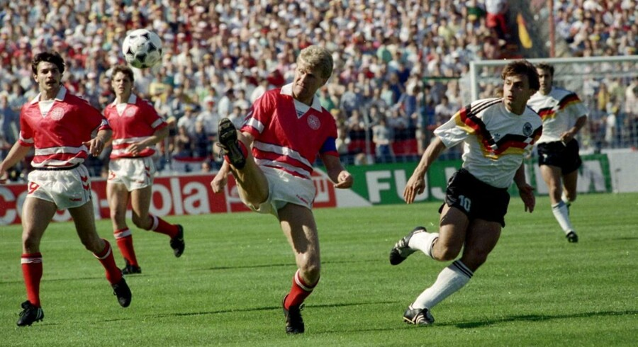 Morten Olsen var med dengang, hvor Danmark kom en slutrunde takket være hjælp fra et andet hold. Men ved EM i Tyskland blev det til tre nederlag i træk.
