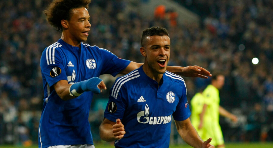 Schalke 04's Franco Di Santo (R) celebrates with Leroy Sane after scoring a goal against Asteras Tripolis during their Europa League group K soccer match in Gelsenkirchen, Germany, October 1, 2015. REUTERS/Ina Fassbender