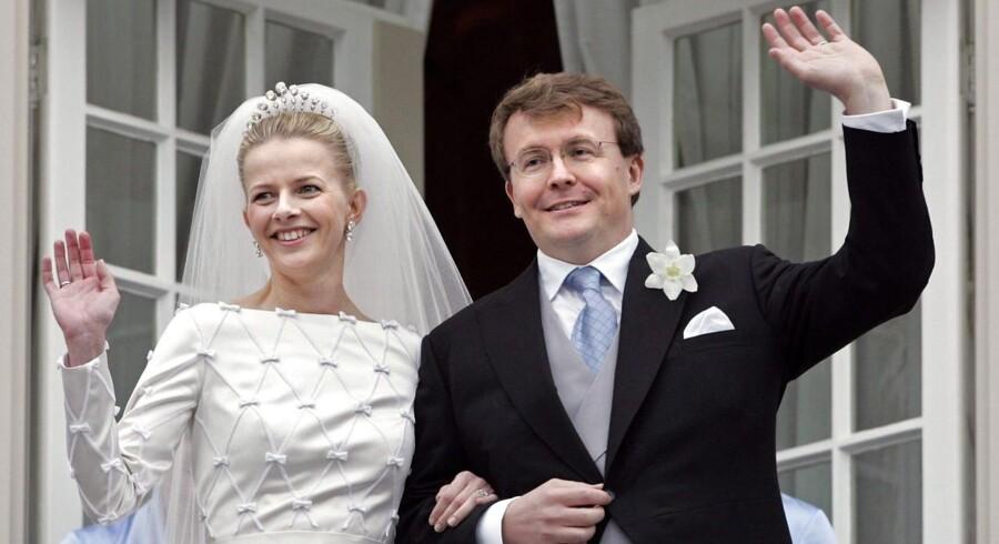 Hollandske prins Johan Friso og hans hustru, Mabel, til deres bryllup i 2004.