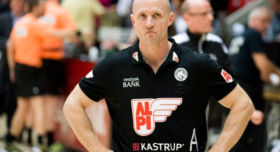 Klavs Bruun Jørgensen så lørdag aften sit danske kvindelandshold tabe til makedonske Vardar Skopje.