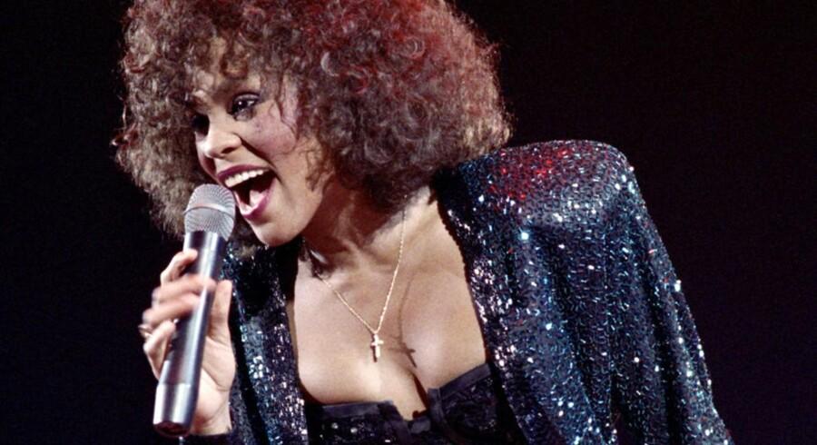 80ernes og 90ernes helt store popdiva, Whitney Houston, bliver begravet lørdag. Hun blev 48 år.
