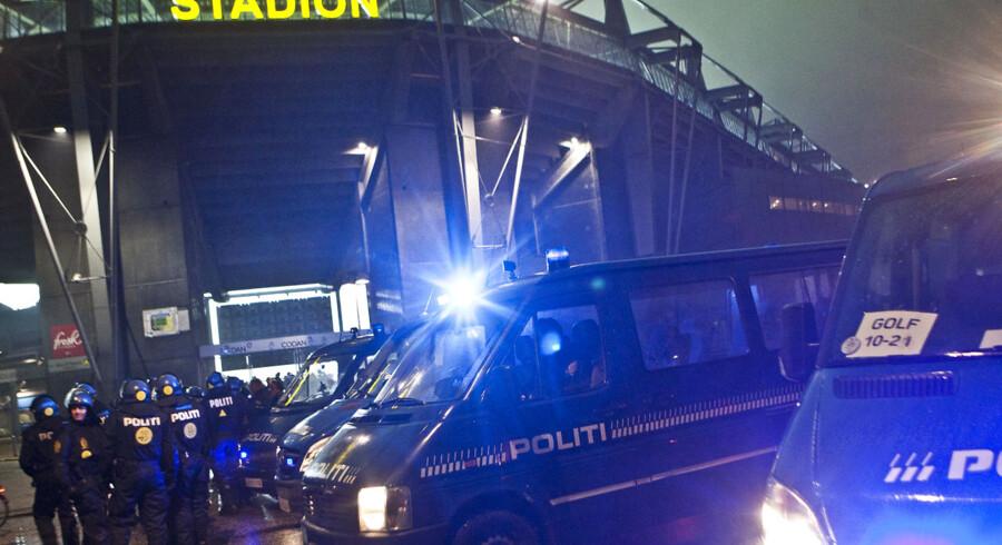 Det har tidligere givet ballade, når Brøndby og FC København har mødt hinanden efter mørkets frembrud.