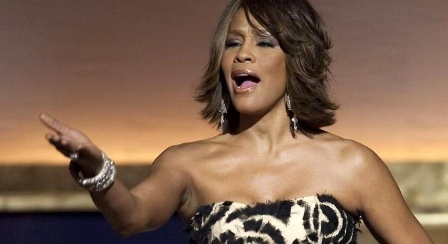 Whitney Houstons læger er tilsyneladende uden ansvar for den 48-årige sangerindes død.