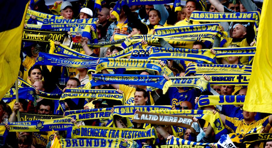Hvis fansene kan opføre sig ordentligt til det første derby mellem Brøndby og FCK, vil politiet gerne give tilladelse til et sent derby i november.