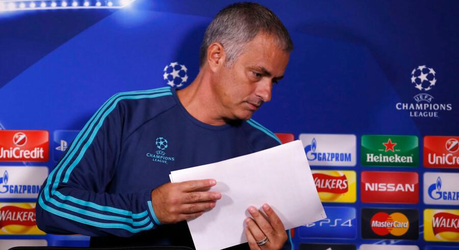 José Mourinho var utilfreds med et spørgsmål under pressekonferencen forud for Chelseas Champions League-kamp mod Maccabi Tel Aviv.