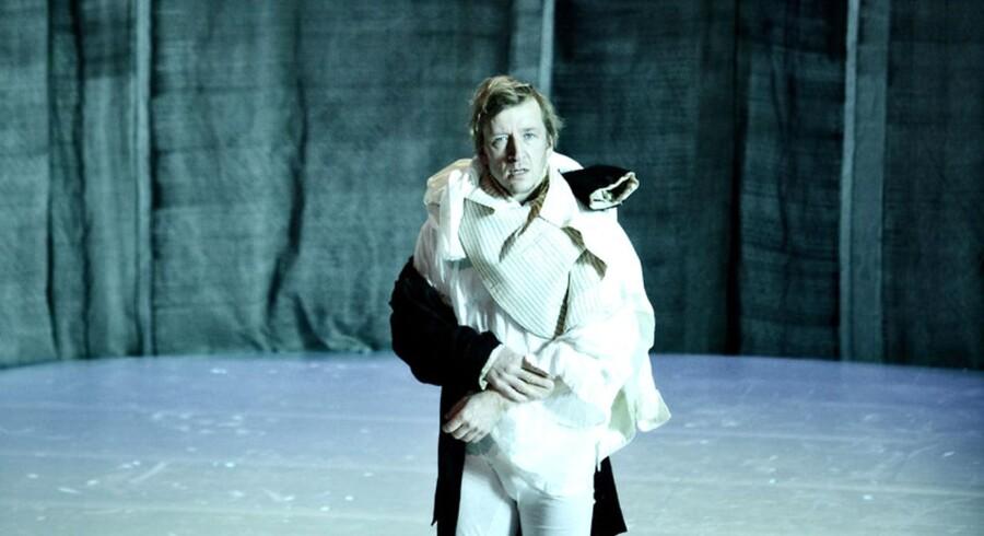 Jens Albinus i rollen som Jeppe på Bjerget Aarhus Teater.
