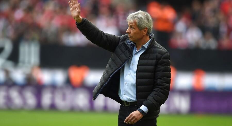 Den schweiziske cheftræner Lucien Favre har selv valgt at opsige sin aftale i klubben.