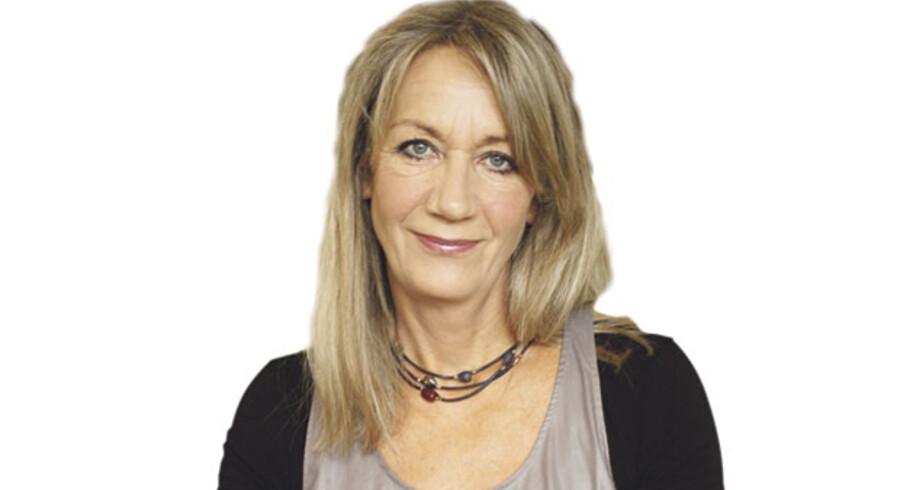 Karen West, Jordemoder og socialdemokrat