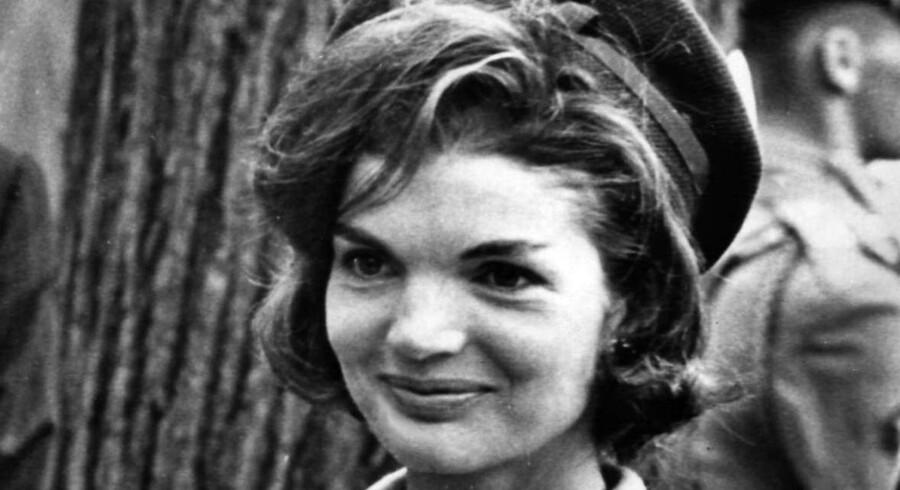 Jackie Kennedy betingede sig, at de otte timers båndoptagelser først måtte blive offentliggjort efter hendes død.