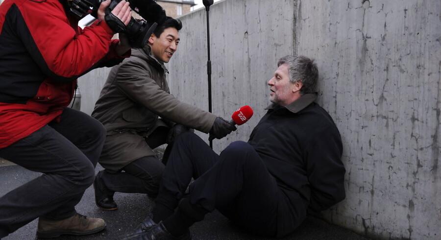 Der er ingen opbakning til Karsten Nonbos frivillige anholdelse og tre timer lange bagbinding på webcam.