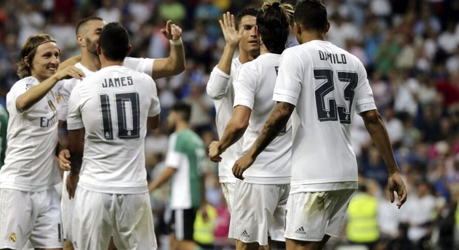Real-spillerne fejrer en af mange scoringer.