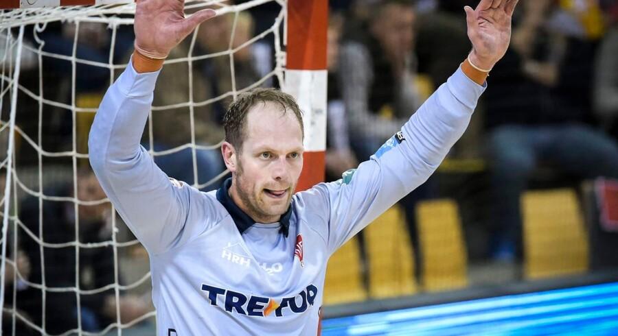 Kasper Hvidt kæmpede forbilledligt for at holde KIF Kolding København inde i kampen mod BSV, men målmanden og de øvrige danske mestre måtte se sig slået 18-24 i sæsonpremieren.