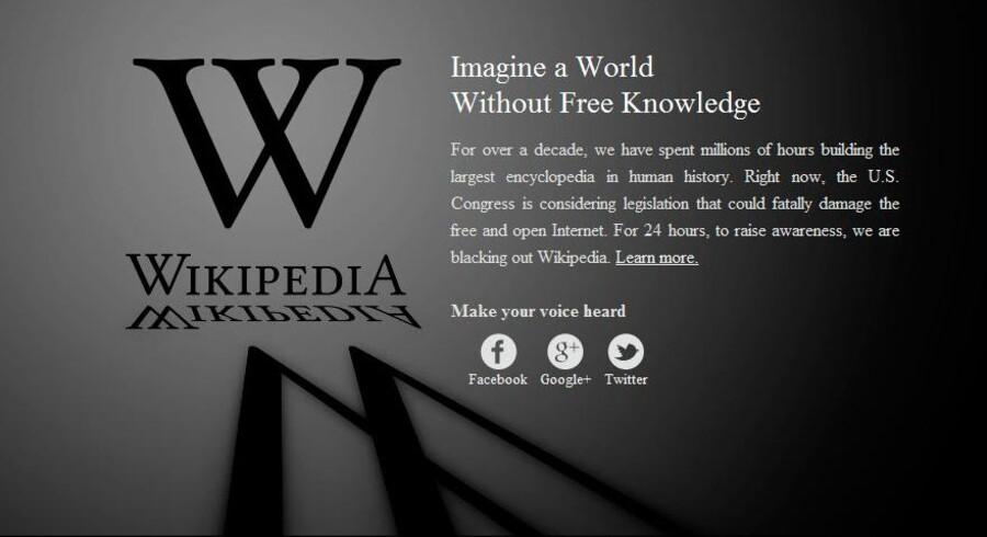 Flere af de mest besøgte hjemmesider har de sidste 24 timer strejket. Grunden er, at de amerikanske myndigheder har fremsat et lovforslag, der giver lov til at blokere hjemmesider, der mistænkes for pirateri. Loven er alt for omfattende, mener kritikerne. Det online encyklopædi, Wikipedia, var nogen af de første til at gå i sort. Dog er det kun den engelsksprogede del af siden der gik i sort i protest.