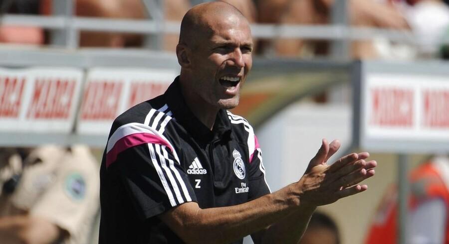 Enzo Zidane er blevet anfører for Real Madrid reservehold hvor hans far Zinedine Zidane (billedet) er træner.