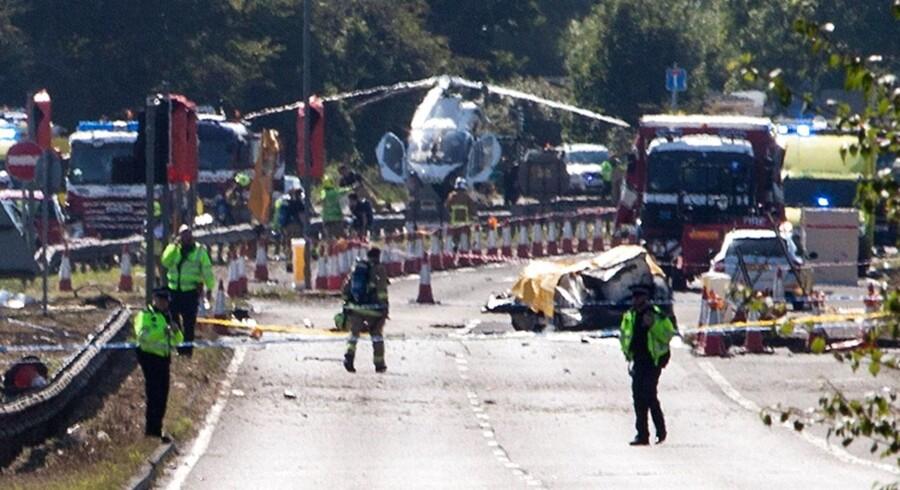 Syv personer blev lørdag eftermiddag dræbt ved en flyulykke i Sussex, Storbritanien.