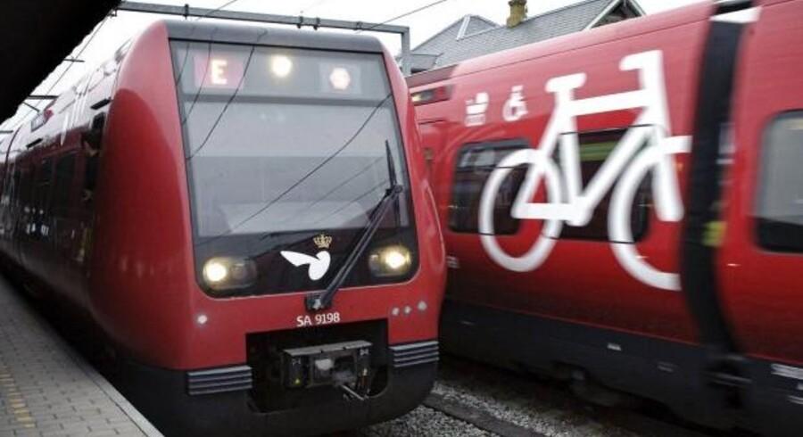 Fredag morgen holder togene stille på Københavns Hovedbanegård, fordi politiet arbejder på stedet. (Arkivfoto)