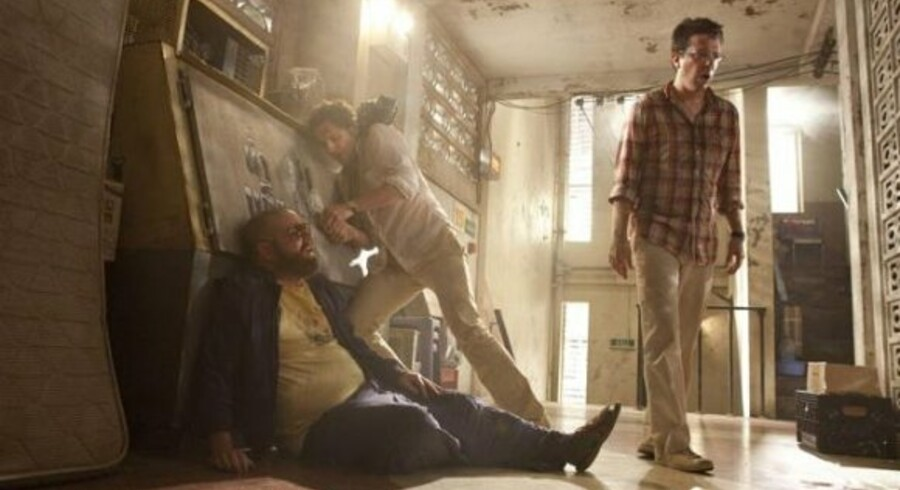 I filmen får hovedpersonerne nogle gevaldige tømmermænd, og nu sker det samme for filmselskabet.