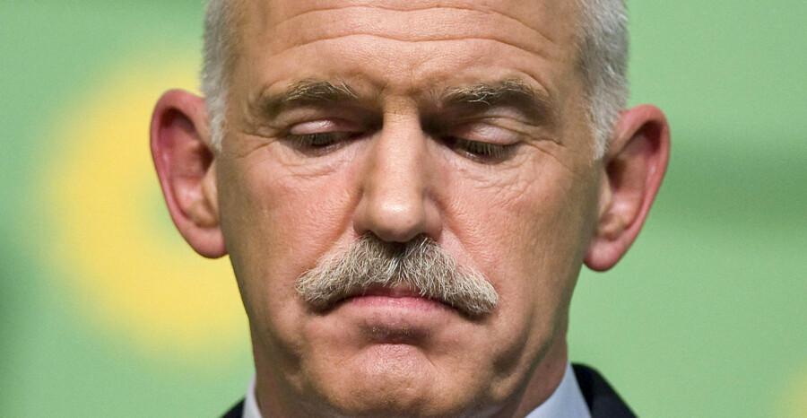 Lederen af det græske socialistparti, George Papandreou vil træde tilbage og ikke søge genvalg som partileder.