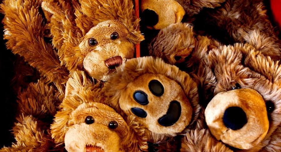 Den amerikanske forretningskæde Build a Bear tilbagekalder nu 300.000 bamser af frygt for at øjnene falder ud og dermed skræmmer børnene.