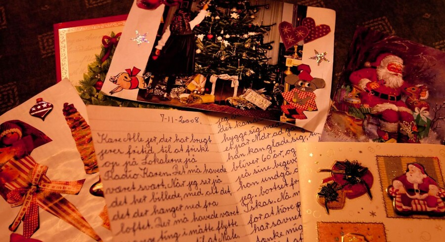 I 1904 blev julemærket opfundet af en dansk postmester, Einar Holbøll. Det er nu blevet en fast tradition, at de følger de sendte julehilsner og sælges for at støtte velgørende formål.