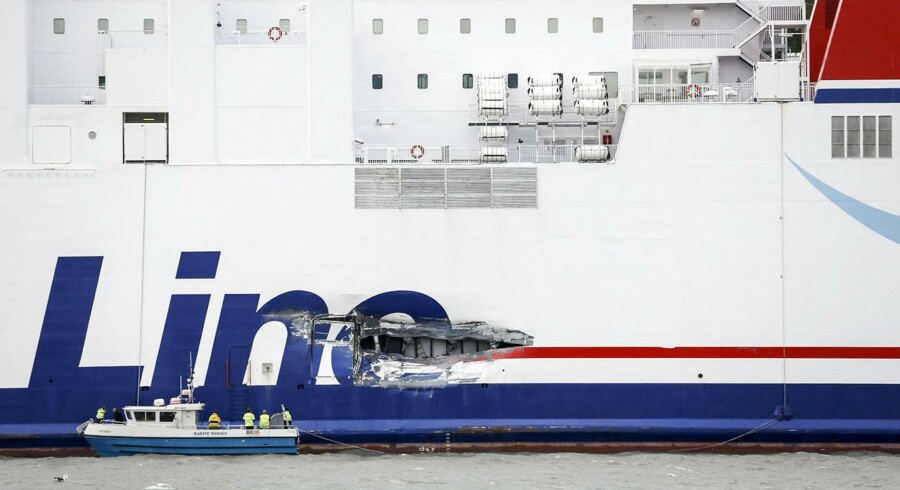 Lykkeligvis kom ingen mennesker til skade ved kollisionen, men Stena-færgen fik en stor revne i siden.